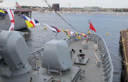 NATO görevi dolayısıyla 15 yıl aradan sonra Amerika'ya gelen ilk Türk savaş gemisi Kemalreis, Baltimore limanındaki geleneksel gemi festivalinde ziyaretçilere tanıtıldı ve yoğun ilgi gördü