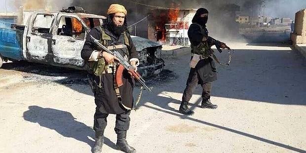 IŞİD Türk Sınırında Kürt Köylerini Ele Geçirdi