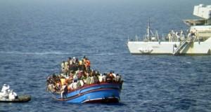 Italian-navy-rescues-refu-008
